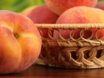 Подготовка персиков и абрикосов к зиме