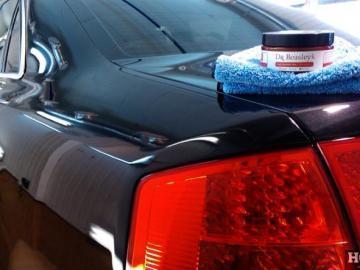 Стоит ли покрывать автомобиль полировочным воском?