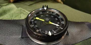 Как выбрать компас и навигатор для охоты: особенности приборов