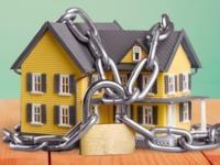 Недвижимость за долги: вправе ли суд арестовать единственное жилье?