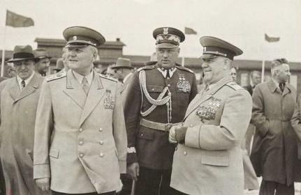 Как советский маршал Рокоссовский стал вице-премьером Польши