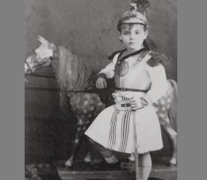 Почему раньше мальчиков до 8 лет одевали в платье