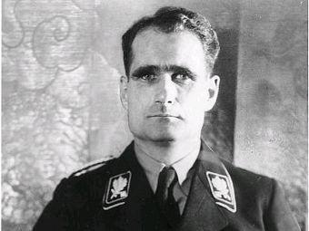 Зачем нацистский вождь Рудольф Гесс полетел в Англию в 1941 году