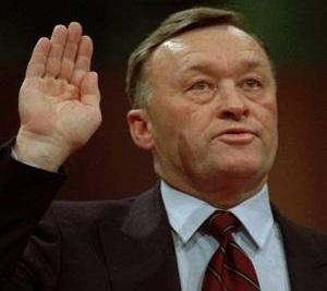 Был ли на самом деле завербован ЦРУ генерал КГБ Олег Калугин