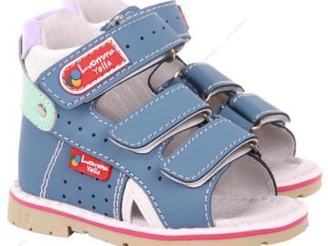 Для чего необходима ортопедическая обувь для детей
