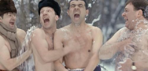 Почему опасно обтираться снегом после бани