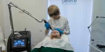 Процедура лазерной эпиляции в центре косметологии Delete