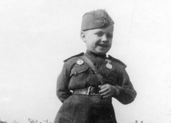 За какой подвиг 6-летний Сергей Алёшков получил боевую награду