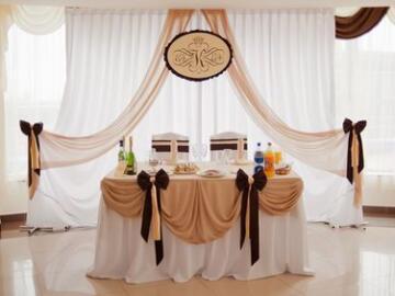 Свадебный зал – тренды модных украшений