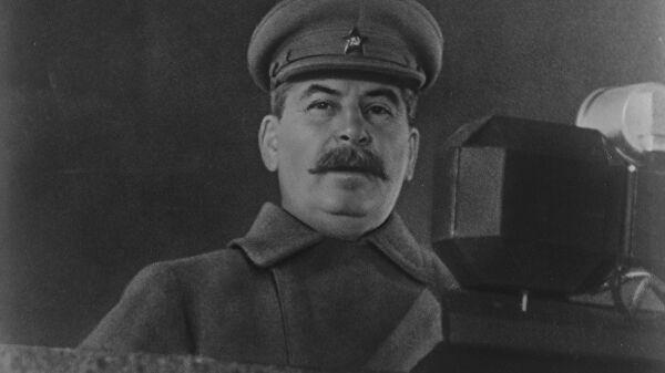 Какие республики СССР Сталин сделал «независимыми государствами» в 1944 году