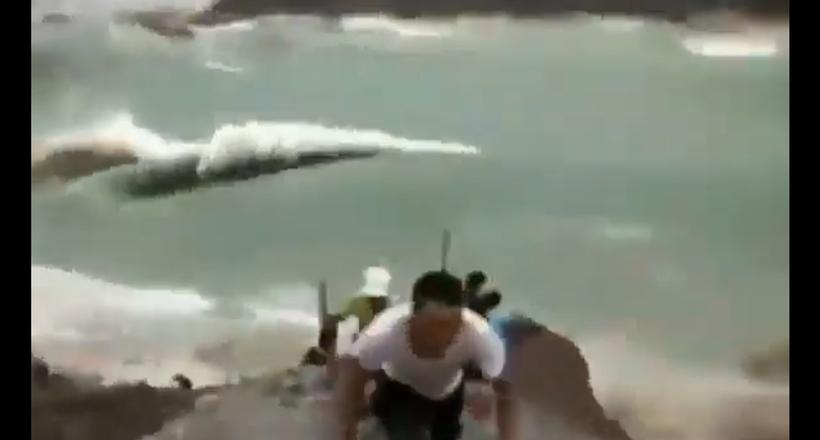 Любопытное видео из Китая: гигантский оползень обрушился прямо в озеро